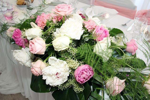 Tichdeko mit Rosen